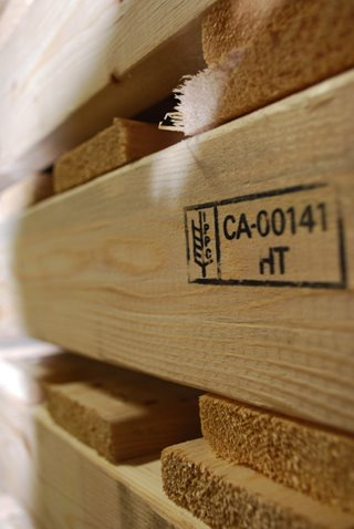 Choose Heat-Treated Wooden Pallets Herwood