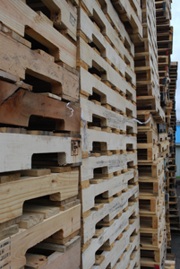 Wooden heat-treated pallets—the environmentally responsible choice
